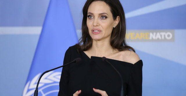 Angelina Jolie Örtbas edilemez!